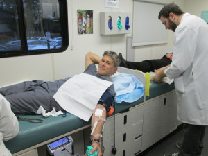 Blood drive Dr. Warren Libman of Bellevue