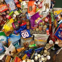 Food drive Humane Society community